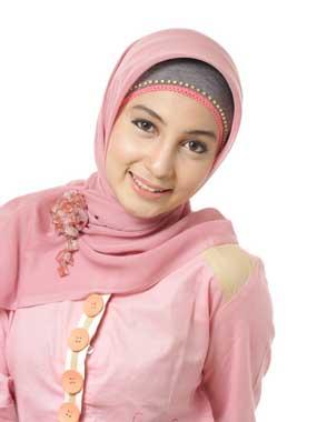 Cantik dan Praktis Dengan Jilbab